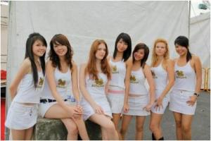 Beer girls singha-beer-grils1